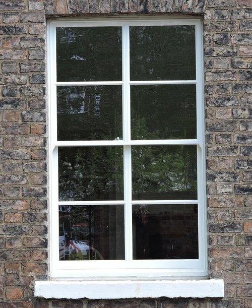 sash window with mullions